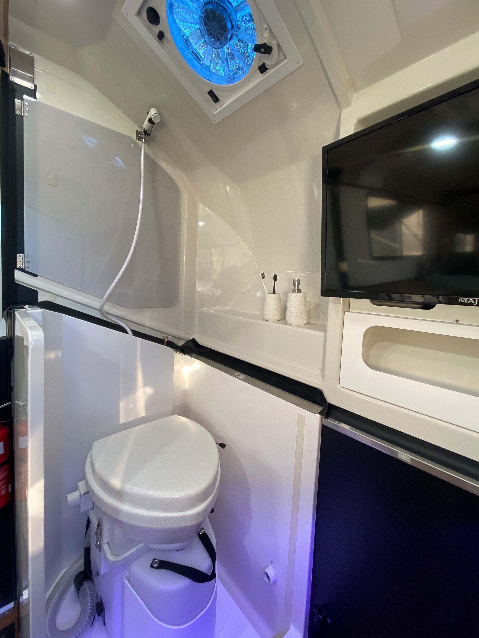 Kimberley Karavan shower and toilet